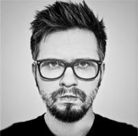 Paweł Opydo na stoisku TaniaKsiazka.pl! Sprawdź >>
