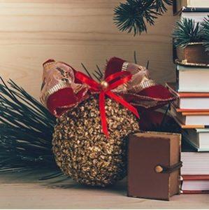 Zaczytanych Świąt i wspaniałego Nowego Roku!
