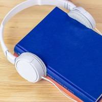 Audiobooki w domu - sprawdź na TaniaKsiazka.pl